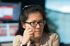 Hou Yifan Pursues Leader in Biel